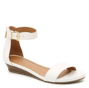 KENNETH COLE REACTION  WEDGE SANDAL Great Race